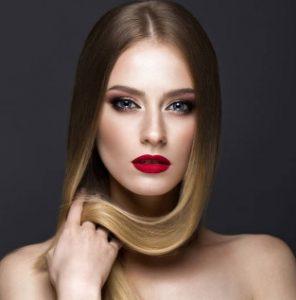 снимка жена с красива коса