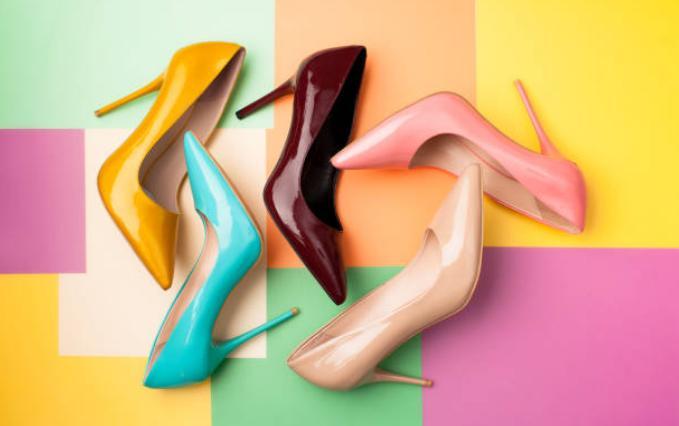 Обувки на високо токче