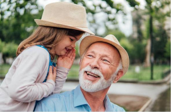 дядо и момиченце