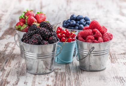 Купички с горски плодове