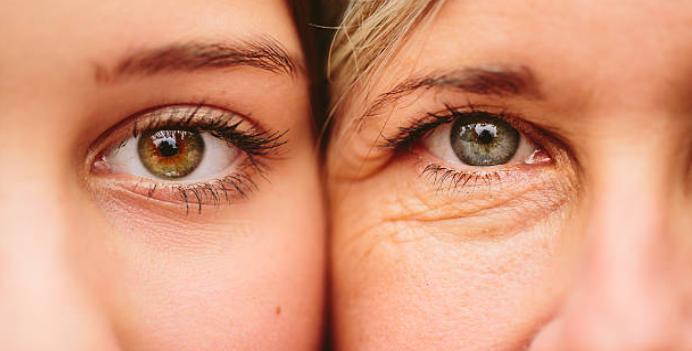 две женски лица