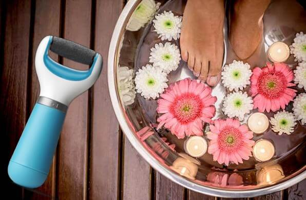 Electric Foot File, дамски крака на спа процедура