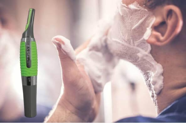 Micro Touch Max, мъж с пяна за бръснене