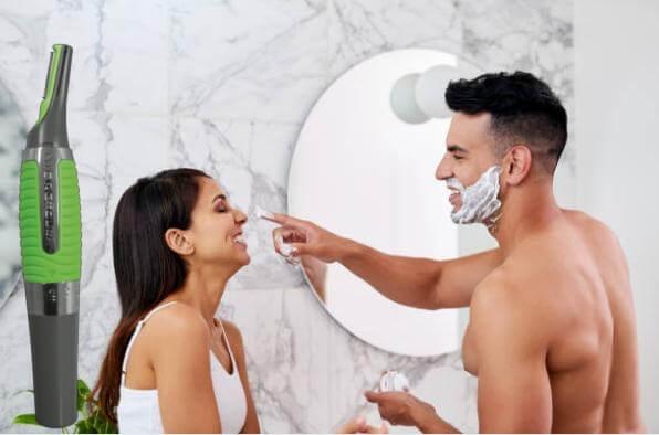 Micro Touch Max, мъж и жена в баня