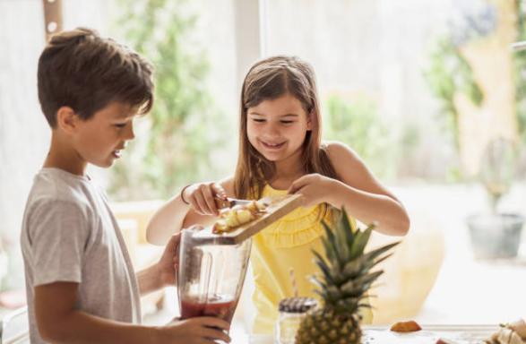 деца, ананас, смути