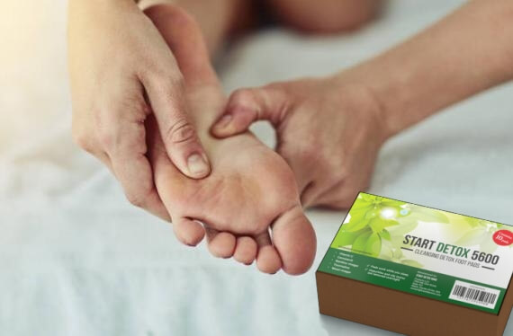 Start Detox 5600 пластири, жена масажира стъпало на крак