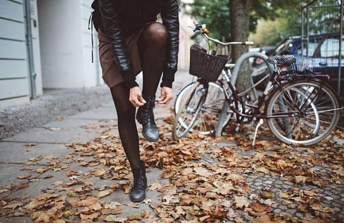 жена, есе, колело, чорапогащник