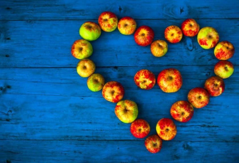 ябълки, сърце