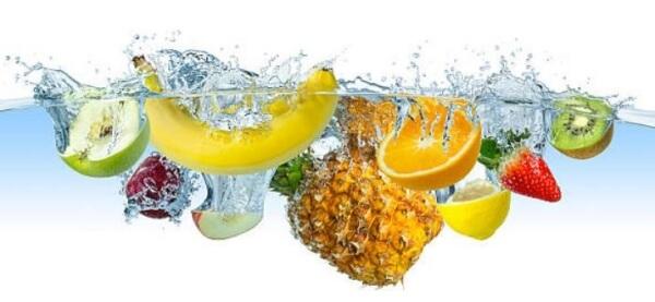 плодове във вода