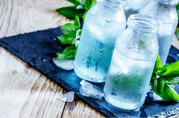 шишета със студена вода