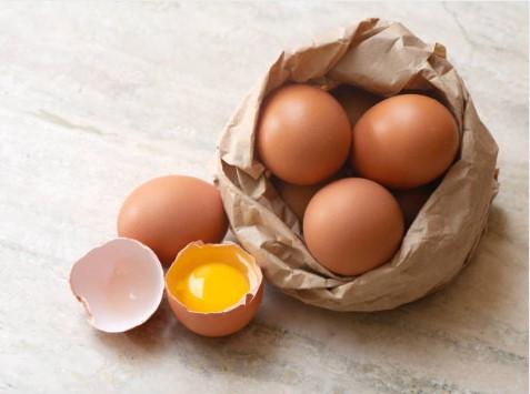 сурови яйца
