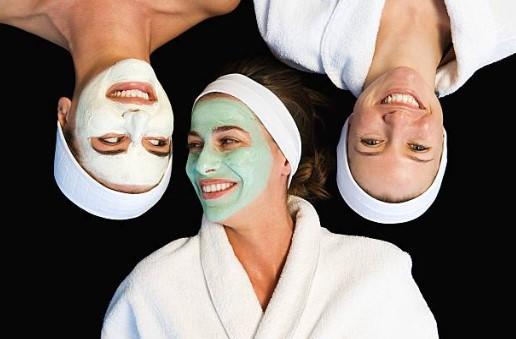 маски за лице, козметични маски, жени