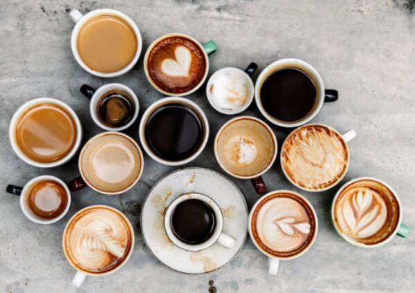 чаши с кафе, кофеин
