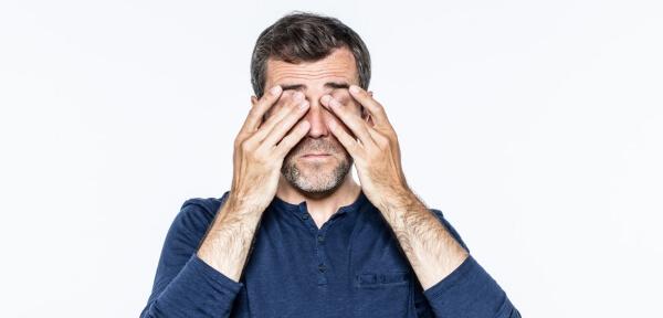 Храни + Йога за Очи за По-Силно Зрение